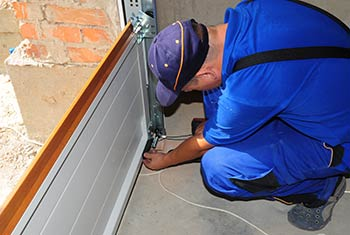 Master Garage Door Service Newport Beach, CA 949-407-5893